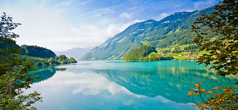 Team Building in Switzerland: the Lakes